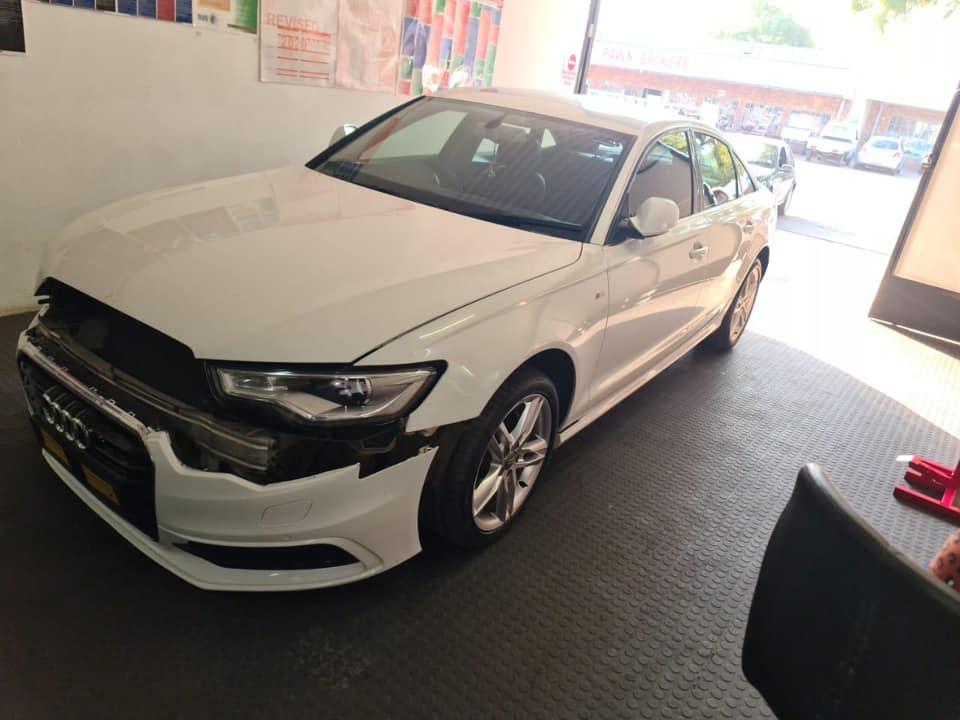 100042 - 2015 Audi A6 2.0tdi Quattro